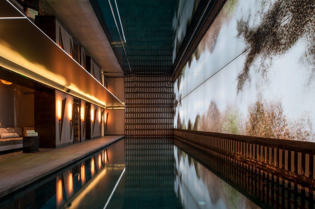 hip niuew luxe hotel nolinski parijs zwembad