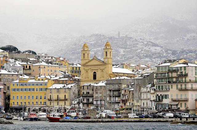 Frankrijk in de winter sneeuw op Corsica Bastia