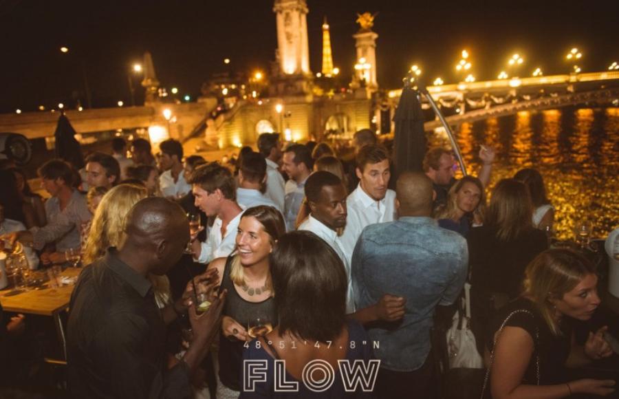 flow-boat-party-parijs-oud-en-nieuw