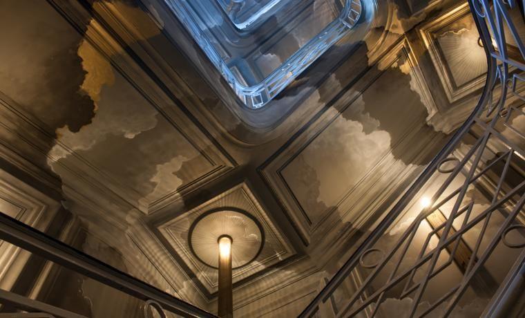 hip nieuw luxe hotel nolinski parijs trap