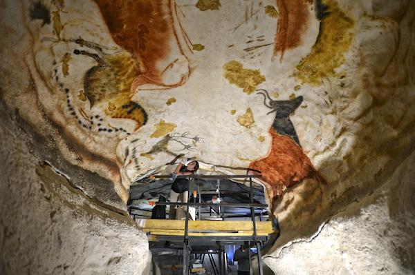 restauratie-schilder in Lascaux