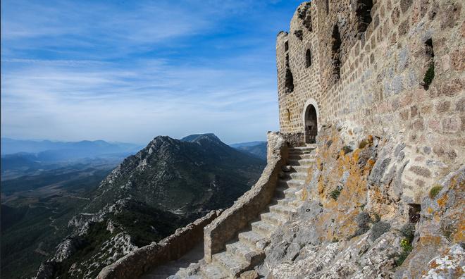 Languedoc Chateau de Queribus kasteel katharen