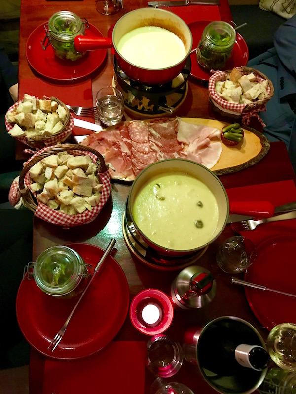 kaasfondue eten in Amsterdam