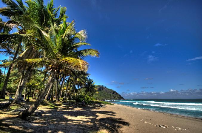 7 tropische stranden op eilanden waar je nu zou willen zijn - In het midden eiland grootte ...