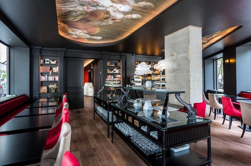 Parijs romantisch Hotel la Comtesse Eiffeltoren ontbijt