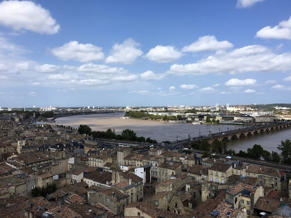 Bordeaux vanaf Fleche St Michel met Port Lune