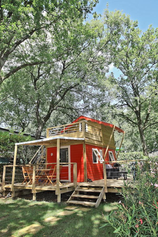 Camping Le Ruisseau in Baskenland: privé-jacuzzi in je woonwagen