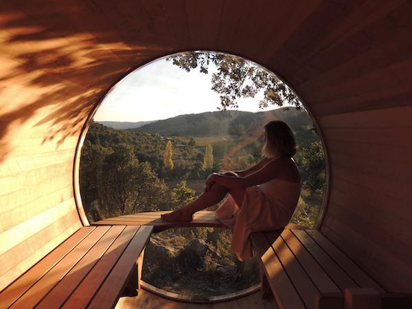 Camping Domaine de Sévenier in de Ardèche: sauna met panoramavenster