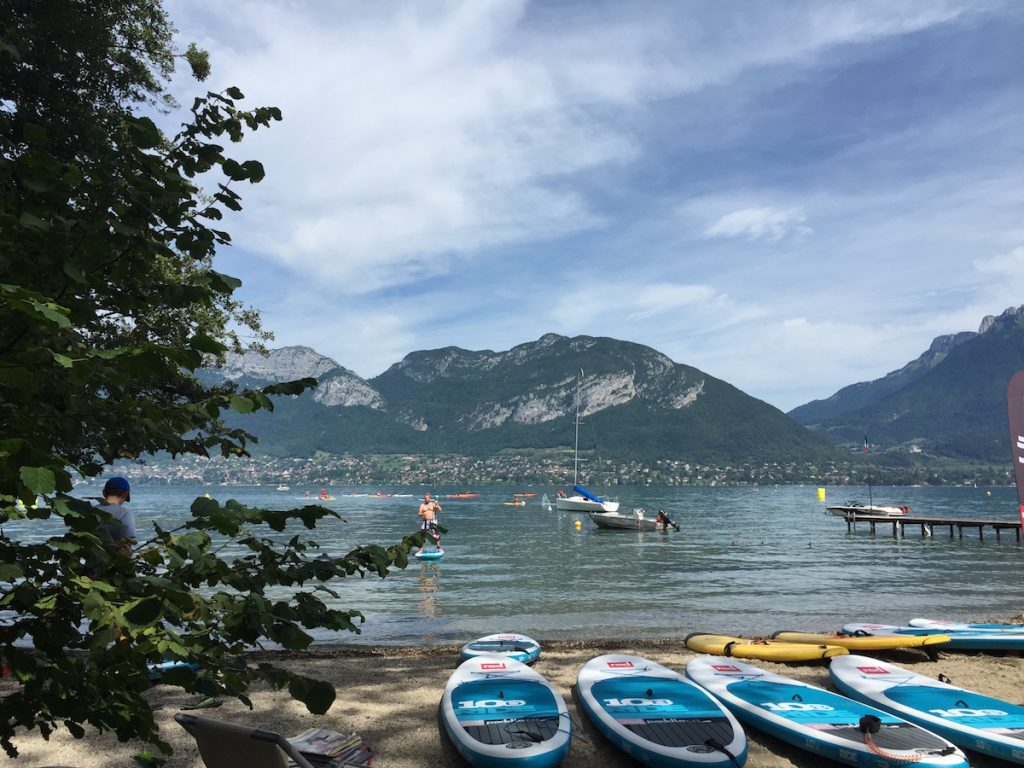 Lac d'Annecy Meer van Carole SUP board suppen