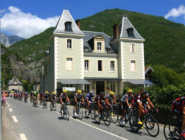 Tour de France bij Chateau Serre-Barbier