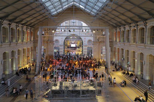 Culturele plek Parijs Le 104