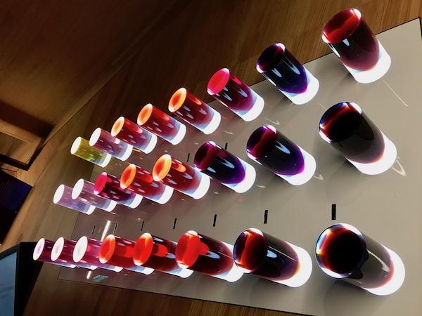 alle kleuren wijn bij cite du vin
