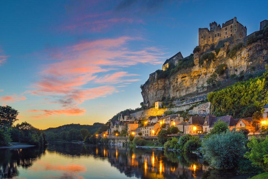 Mooiste plekken in de Dordogne Beynac kasteel dorp