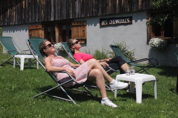 Josee en Carole op vakantie in Les Portes du Soleil