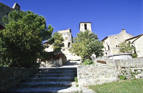 Poet-Laval middeleeuw dorp Drôme