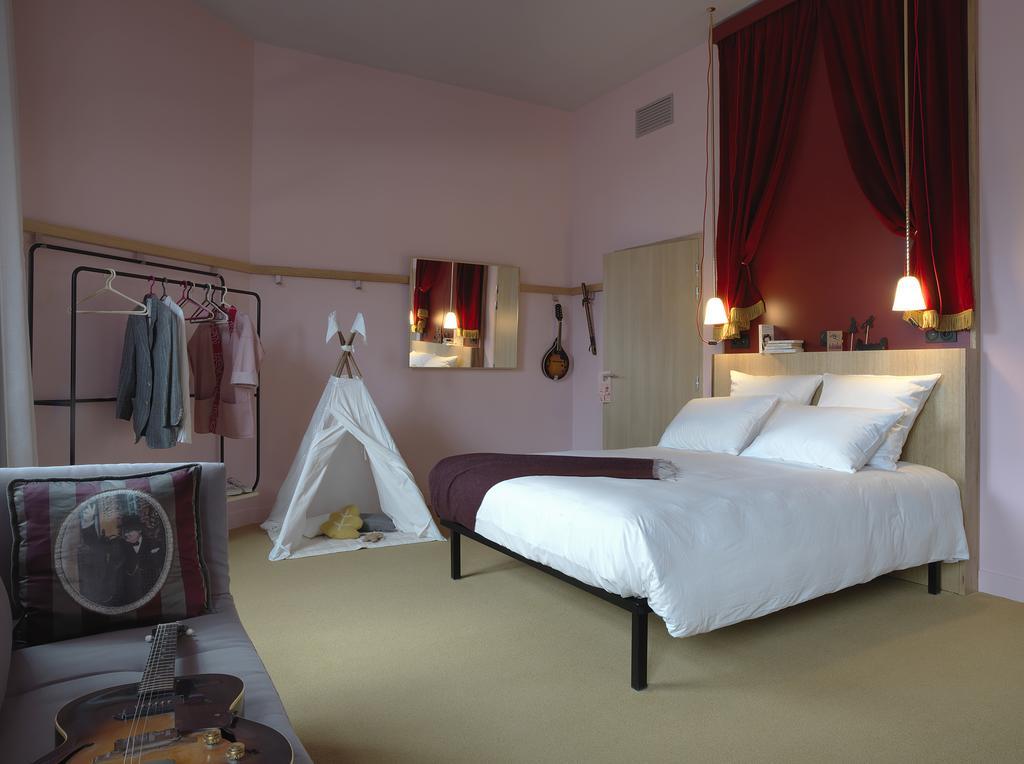 Mob hotel Parijs Saint-Ouen