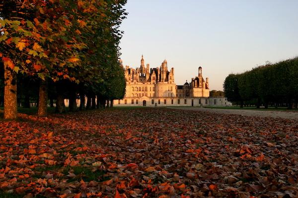 Renaissance-kasteel Château de Chambord in de herfst