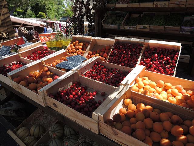 Het mooiste van de Luberon Provence markt zomerfruit