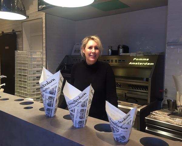Pomms Amsterdam frietzaak in Cannes, eigenaresse Carla