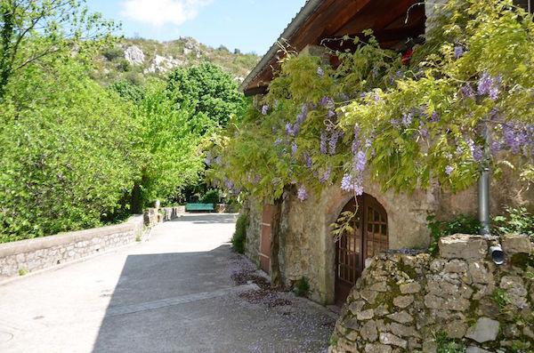 In het dorp Navacelles