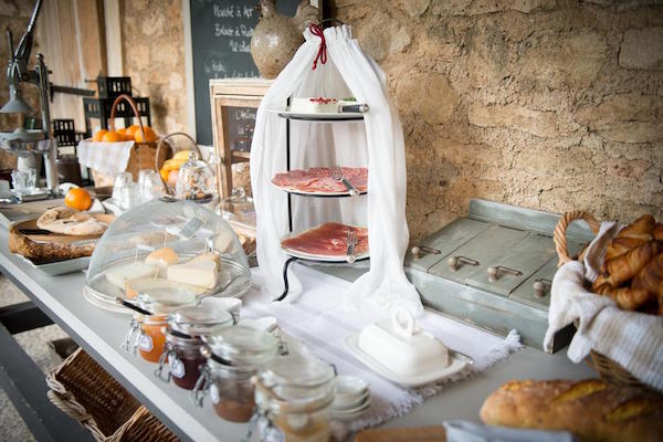 Provençaals ontbijt op vakantie in de Lubéron