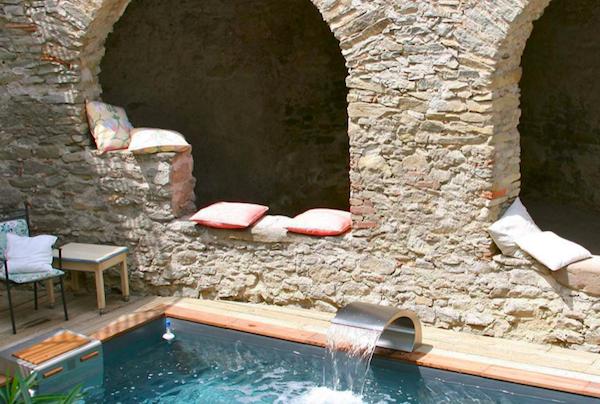 Zwembad van Chateau de Siran