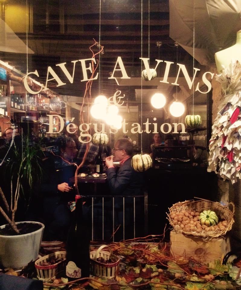 Le Garde-Robe wijnbar in Parijs
