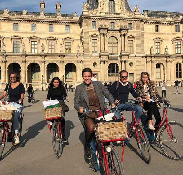 Fietsen in Parijs rondleiding hele gezin tieners