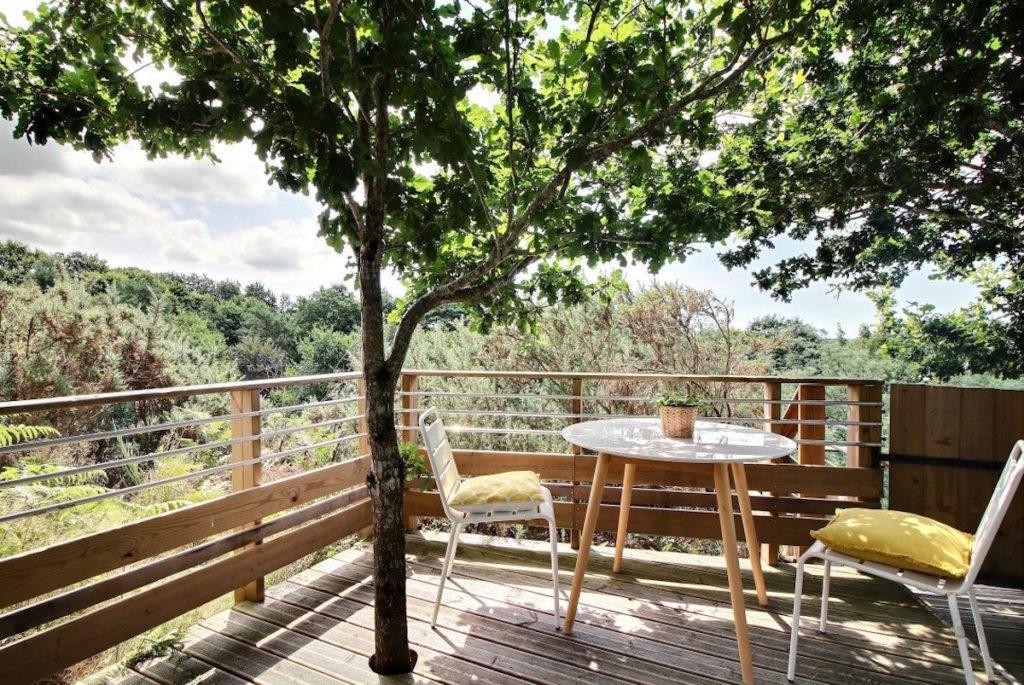 luxe boomhut lodge zuid-bretagne groot balkon