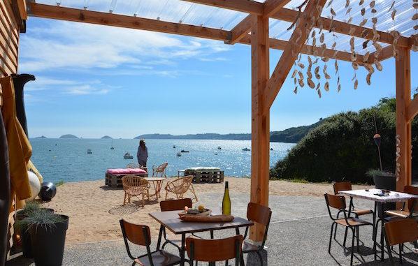 oesterbar bij vakantiehuizen aan zee