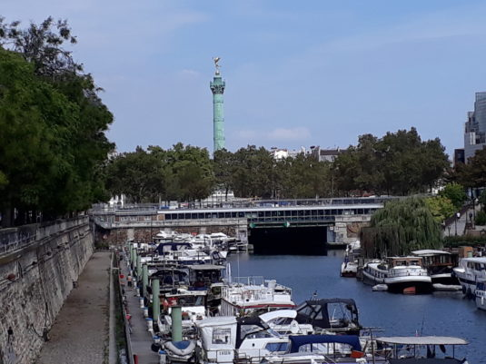 Port Bastille Parijs