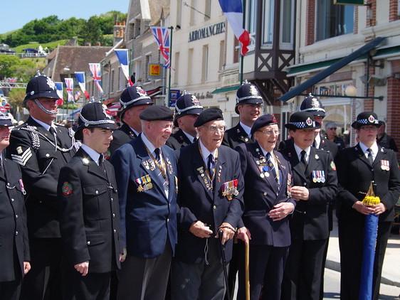 Engelse veteranen in Normandië