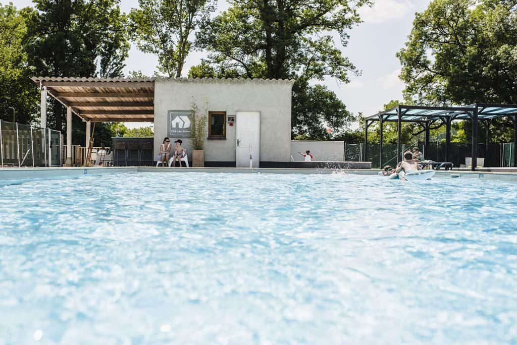 zwembad Club les Ormes