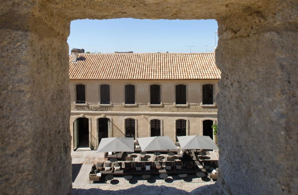 Hotel des Remparts in Aigues-Mortes loungeterras