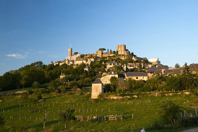Mooi dorp in de Limousin Turenne tussenstops autoroute