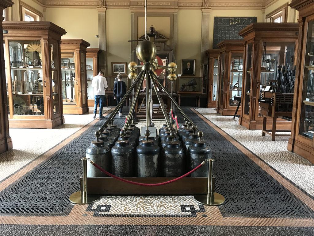 Napoléon electriseermarchine Haarlem Het Teylers Museum