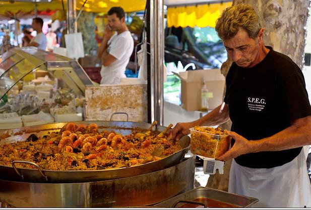 markt van Saint-Tropez Place des Lices
