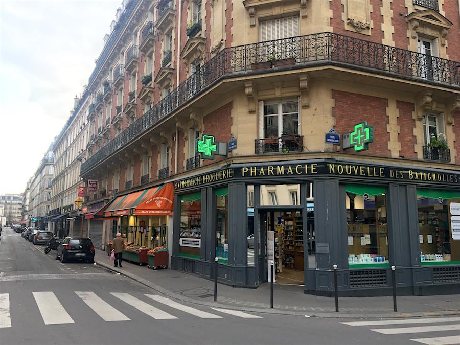 corona lockdown lege straten Parijs oogverslag apotheken