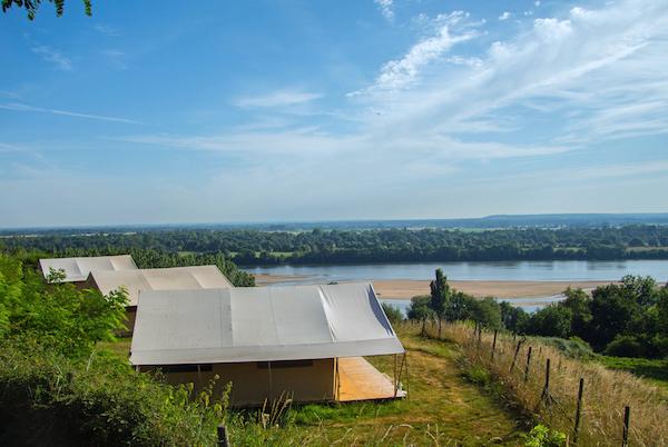 uitzicht Loire camping Huttopia