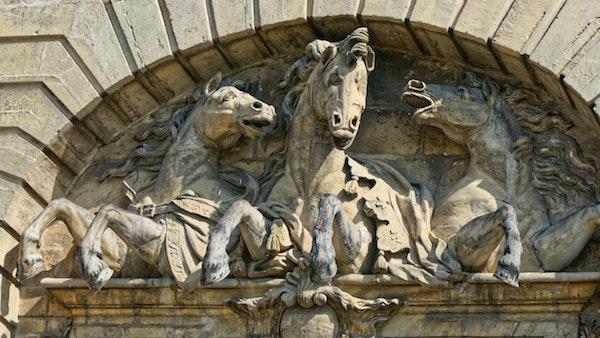 paardenstallen Chnatilly