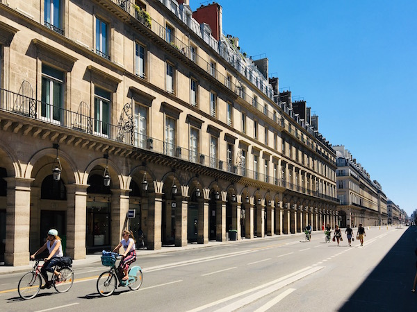 Rue de Rivoli zonder auto's Parijs post-corona