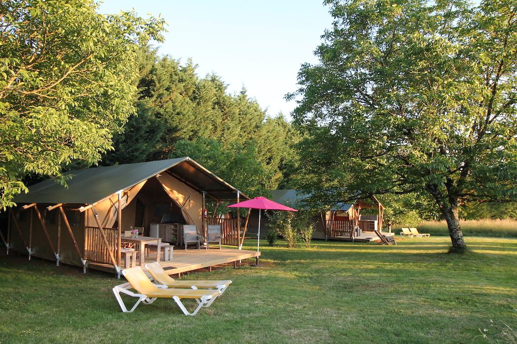 Safari-Lodgetent-Glamping-Domaine-Le-Bost
