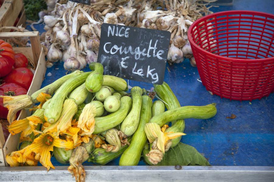 markt in Nice wijk Libération