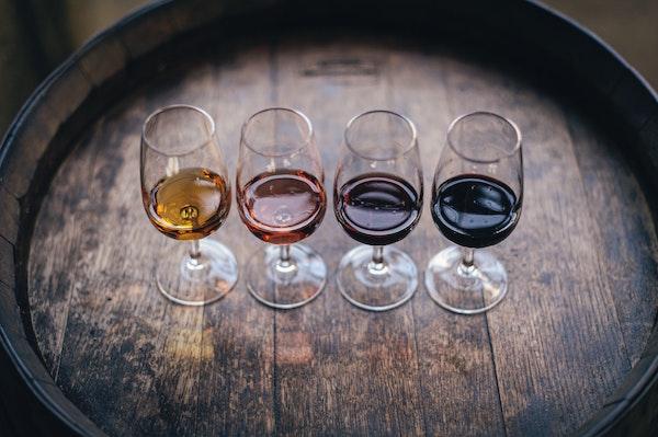 wijnglazen proeven