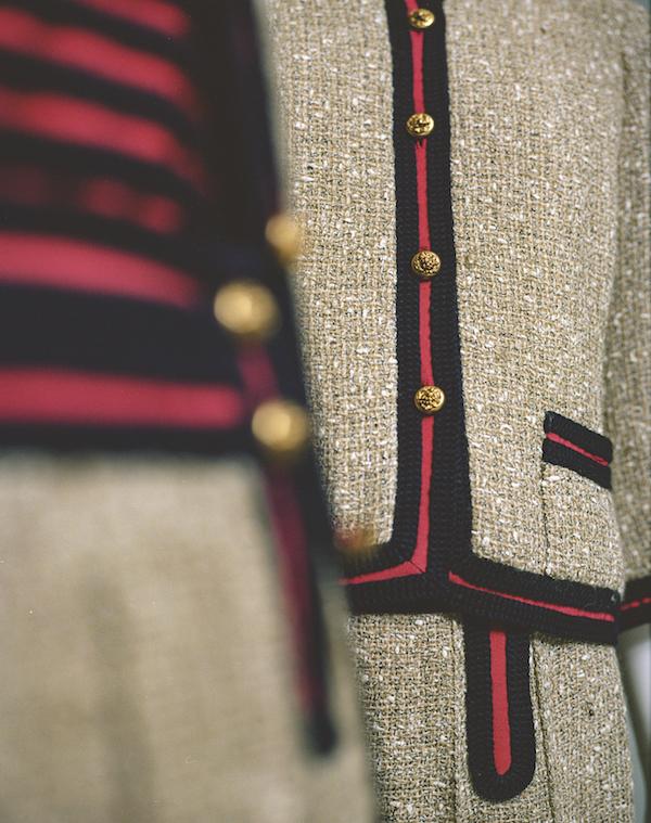 Expositie Chanel 2020 Parijs manteplakje tweed