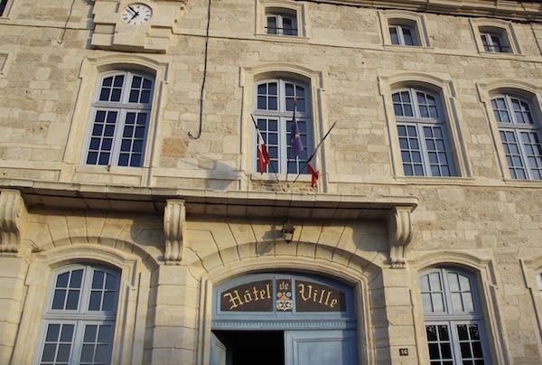 stadhuis Frans dorpje