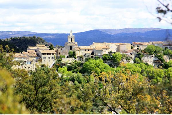 Venasque mooi dorp Vaucluse
