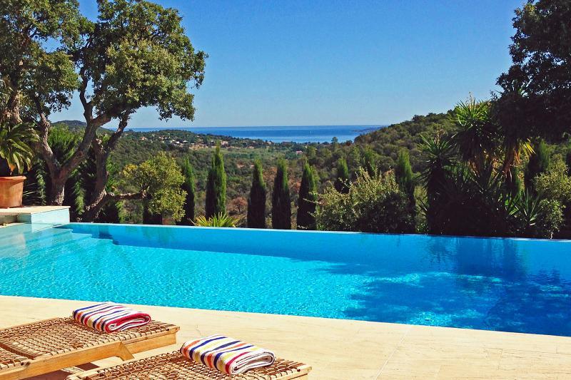 vakantievilla met zwembad in Zuid-Frankrijk Maison Rouge