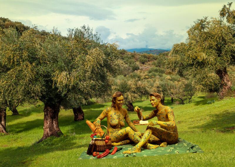 France4Naturisme-Gekleurd-naakt-olijf