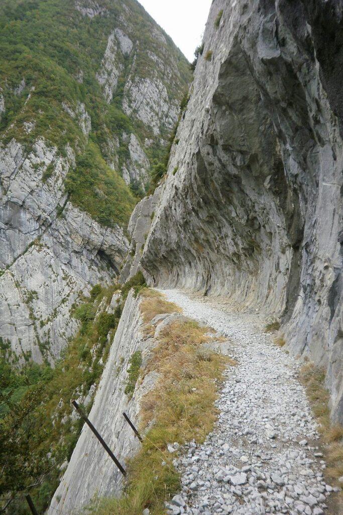 Chemin de la Mature eng wandelpad Pyreneeen